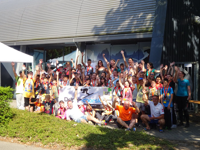 Kroatische kinderen op bezoek bij Delphindoorski in Ermelo