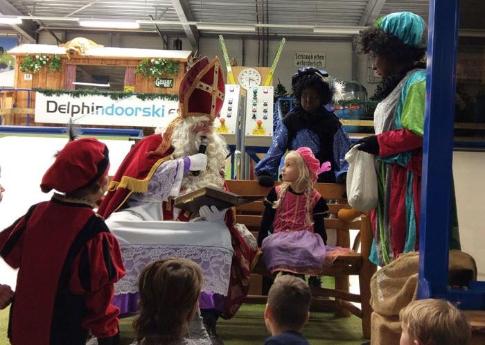 Sinterklaas bij indoorskibaan Delphindoorski Ermelo