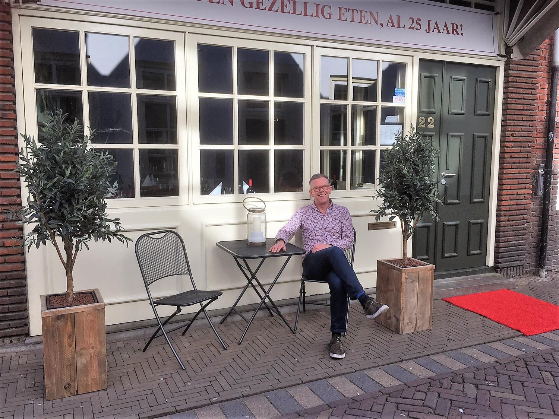 JP voor zijn restaurant Dolle Griet in Harderwijk