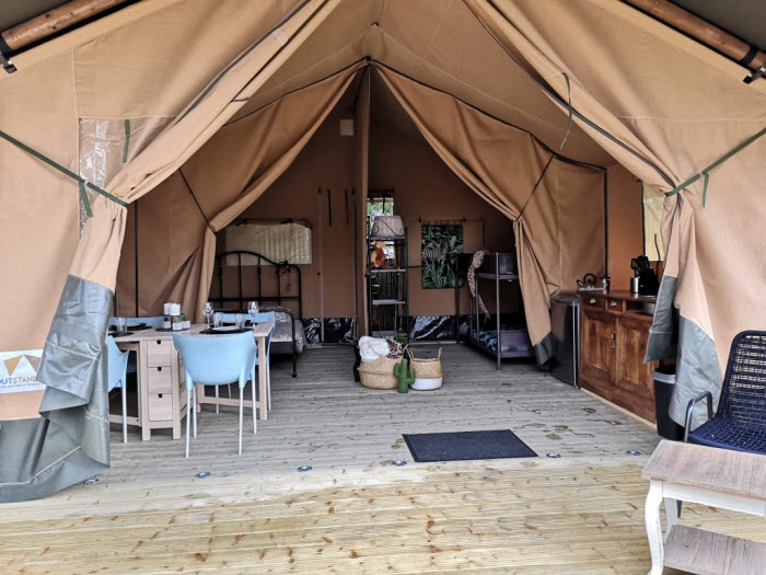 Tent op Glamping La Belle St-Fli Frankrijk camping