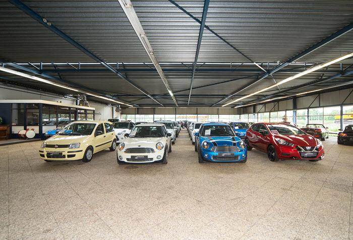 Showroom autobedrijf Heersmink Harderwijk