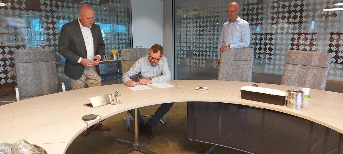 Ondertekening Pieter Hannessen Qimarox
