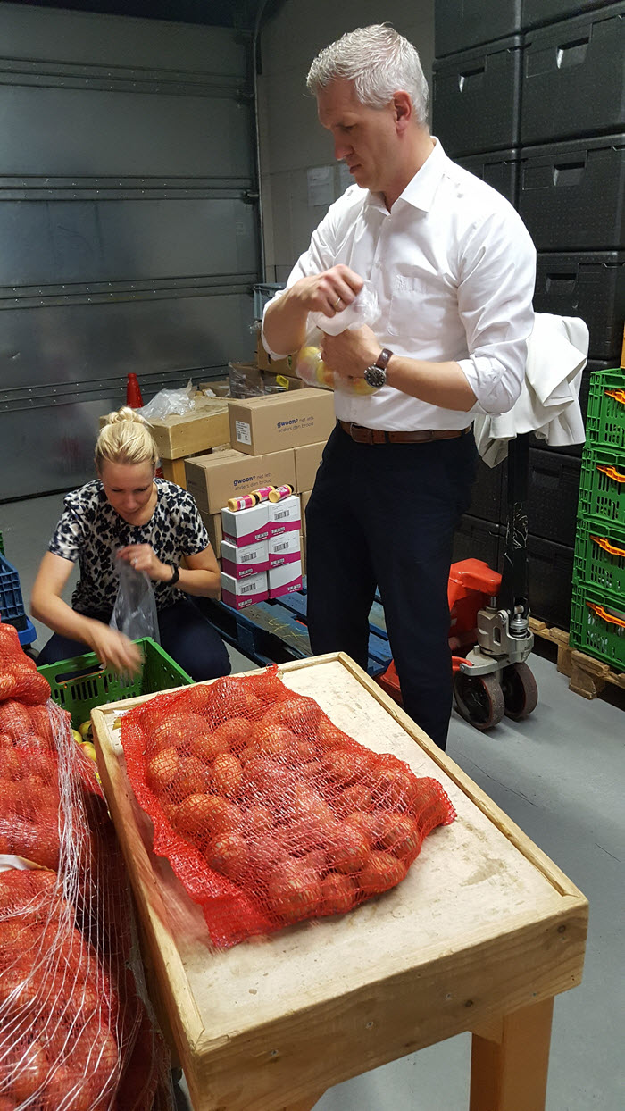 Unive Harderwijk helpt bij de Voedselbank