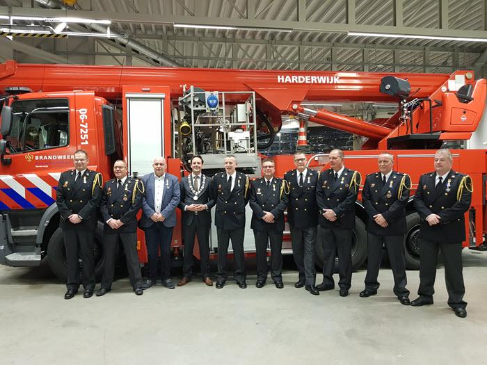 Koninklijke Onderscheiding voor 9 brandweerlieden in Harderwijk