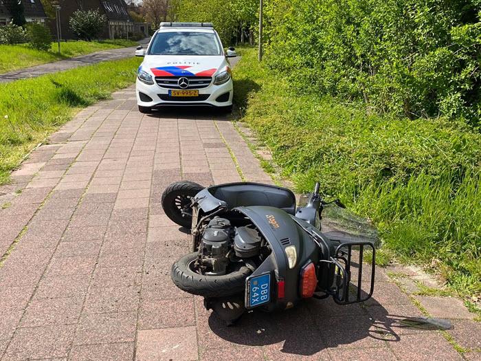 Scooter met fietser Drielandenpad