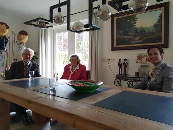Bruidspaar Hendriks Langenhoen 65 jaar getrouwd Harderwijk