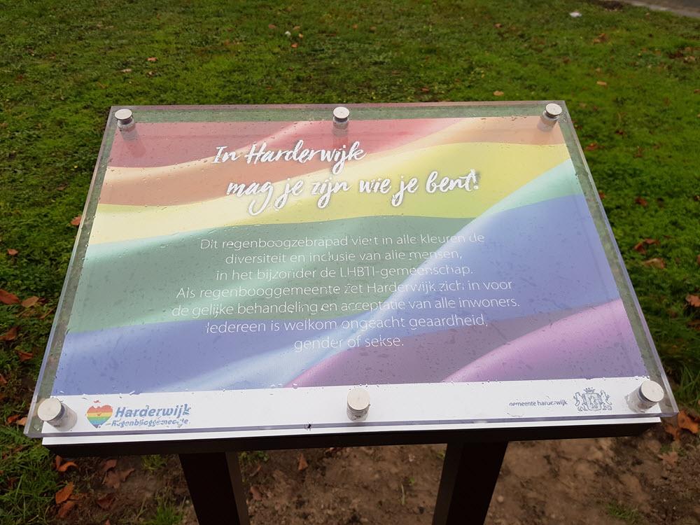 Regenboog informatiebord Harderwijk