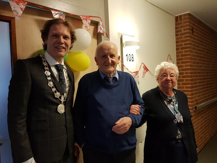 Echtpaar Bronkhorst Leeuwerink 60 jaar getrouwd Harderwijk