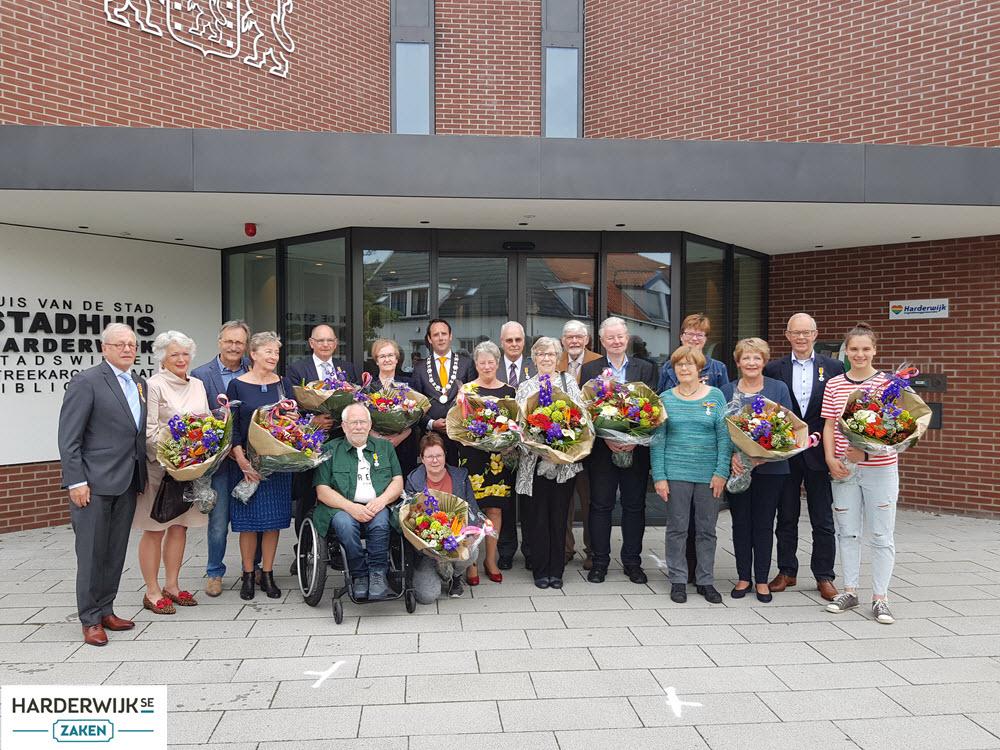 Gedecoreerden met partners gemeente Harderwijk 2019