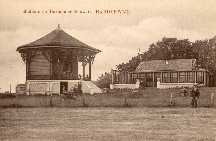 Badhuis en Harmoniegebouw in Harderwijk