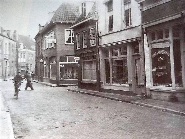 Donkerstraat Harderwijk in de jaren 50