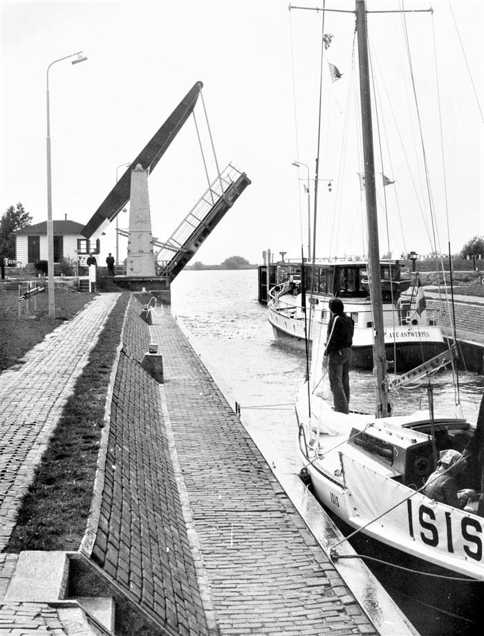 Herinner je je Harderwijk oude foto Hardersluis