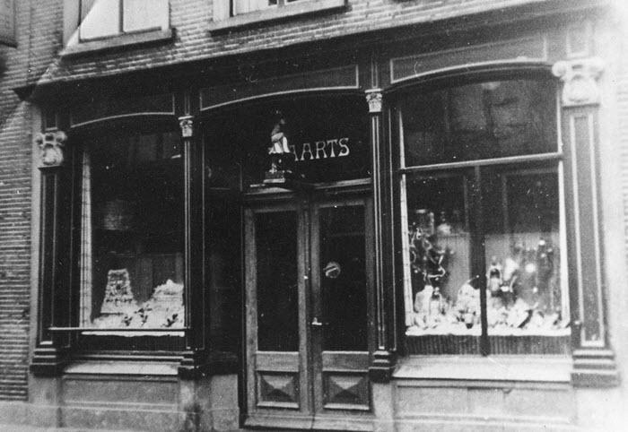 Kruidenierswinkeltje van Aarts Harderwijk 1932