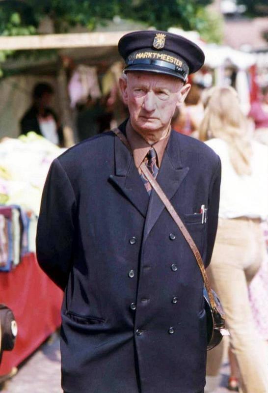 Marktmeester Willem Bos Harderwijk uit 1978