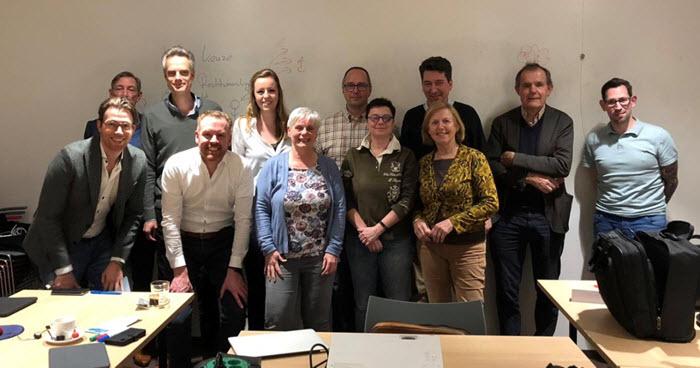 De 1e Workshop Liberalisme vond dit jaar op 6 maart onder leiding van trainer Sander Janssen in Harderwijk plaats. Hier de 12 tevreden deelnemers.