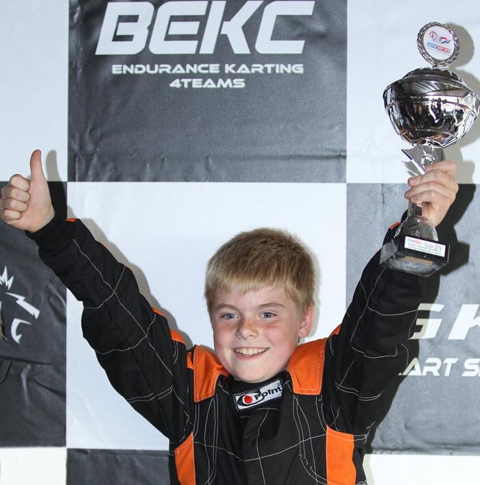 Karttalent Mitchell van Dijk knalt bij NK naar eerste overwinning in Mini Parilla-klasse