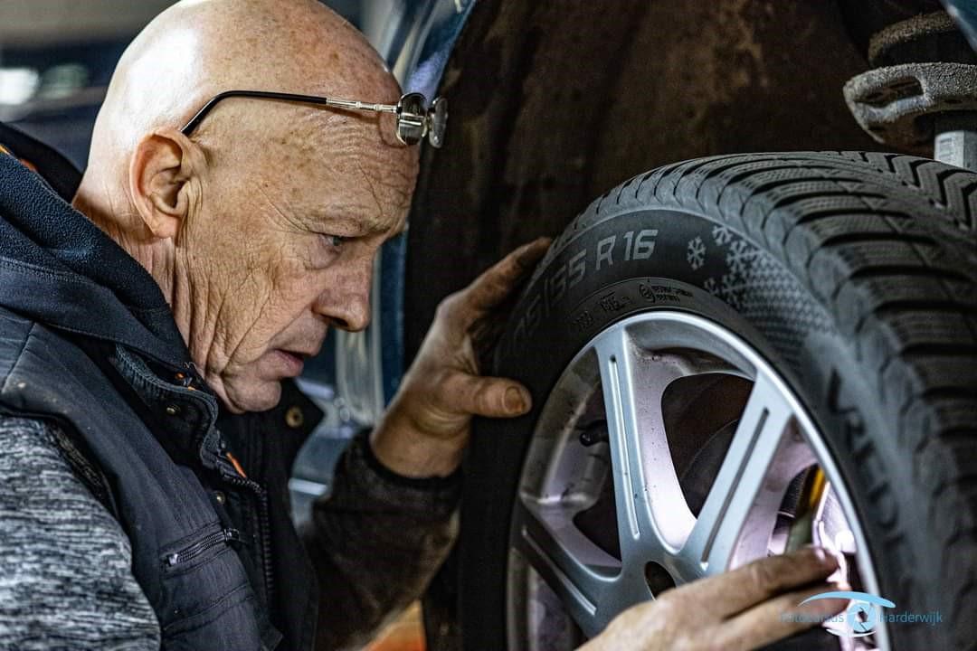Autobedrijf Harderwijk - Hans van den Broek