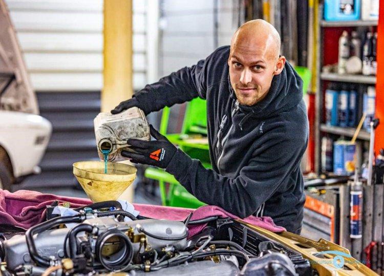 1_Autobedrijf_Harderwijk_werkplaats_olie_verversen.jpg