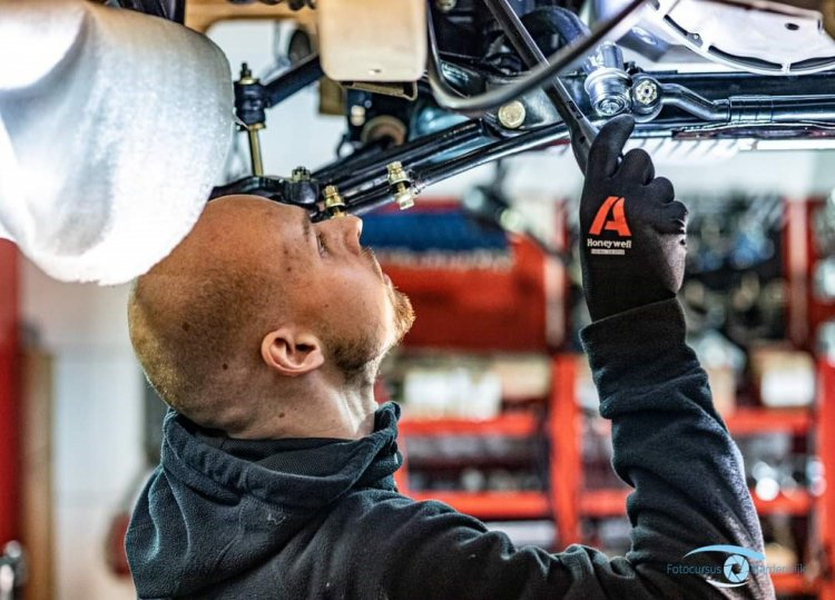 Autobedrijf_Harderwijk_werkplaats.jpg