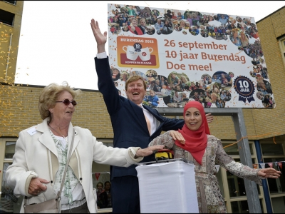 Koning Willem-Alexander geeft startsein 10 jaar Burendag bij ZorgDat in Harderwijk