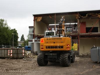 De sloop van Multifunctioneel Zalencentrum De Kiekmure is begonnen