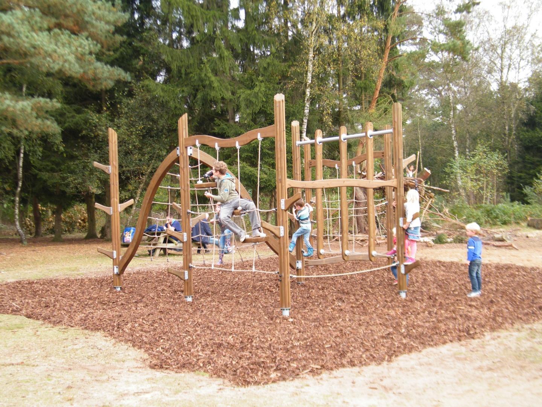Badkamer Harderwijk : Takkenweek voor jeugd Harderwijk in het bos ...