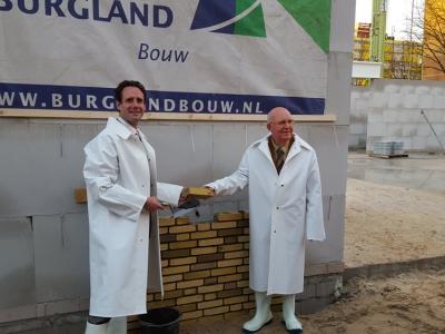 Eerste steenlegging nieuwbouw de Kiekmure Harderwijk (filmpje)