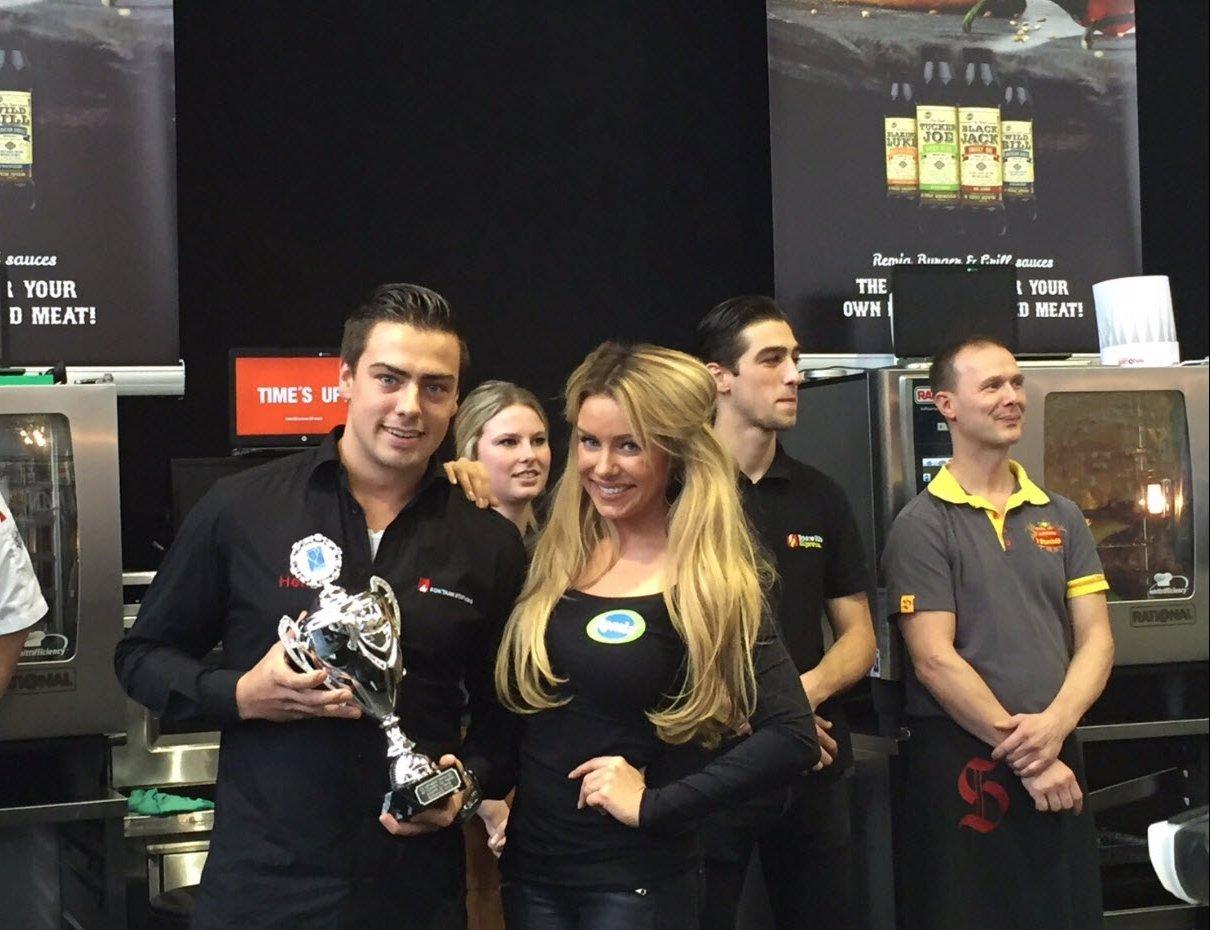 Broodje Kok Harderwijk heeft de Remia sponsorprijs gewonnen met de lekkerste hamburger (video)