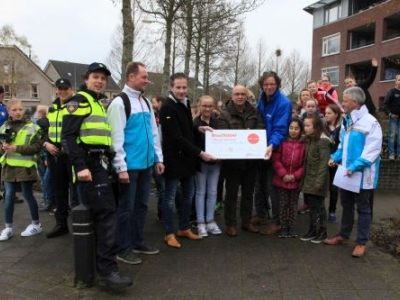 Uitreiking Buurtlabel Veilig Verkeer aan wijkvereniging Drielanden