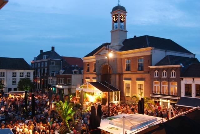 Harderwijk Live (muziekspektakel) swingend van start met een Caribbean Night