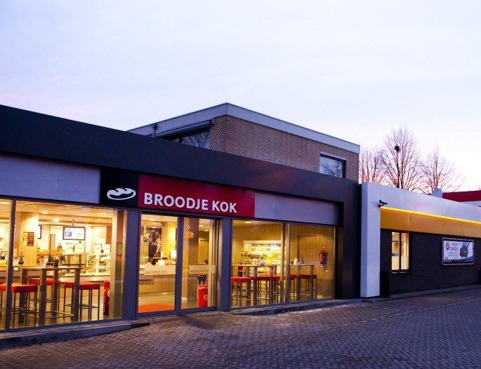 Deze week in de aanbieding bij Broodje Kok Harderwijk een Triangel Speciaal en een Broodje Vuurvreter