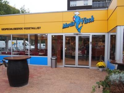 Aanbieding Martin Visch Harderwijk: huisgemaakte zalm-notenhapjes