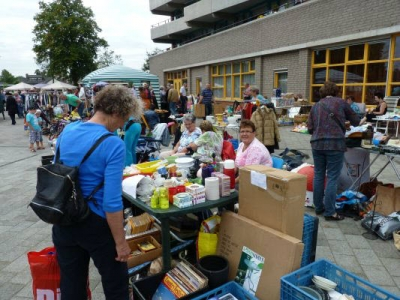 Buitenrommelmarkt wijkvereniging Stadsdennen / Frankrijk