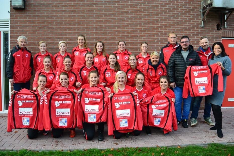 Dames 1 vv Hierden heeft nieuwe kleding- en teamsponsors!