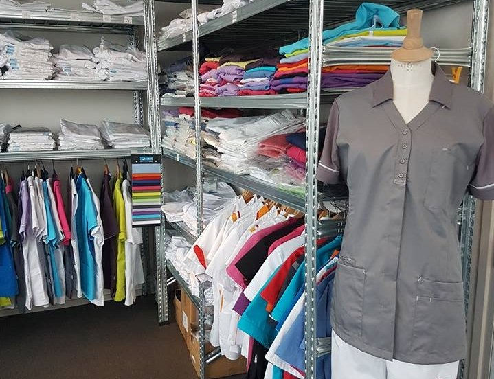 Werken in de zorg met geschikte kleding