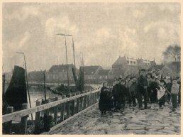 Herinner je je Harderwijk: oude foto van de jeugd bij de Haven van Harderwijk