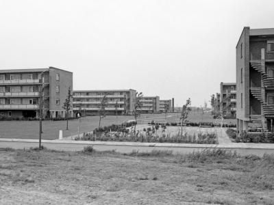 Herinner je je Harderwijk: oude foto van de flats aan de Rhijnvis Feithlaan en Vondellaan