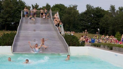 Zwembad Harderwijk: renovatie of nieuwbouw? Geef uw mening