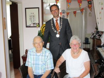 Echtpaar W.J. van der Putten en A.R.M. van der Putten-Apeldoorn 60 jaar getrouwd!
