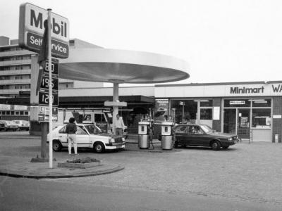 Herinner je je Harderwijk: oude foto van Mobil tankstation
