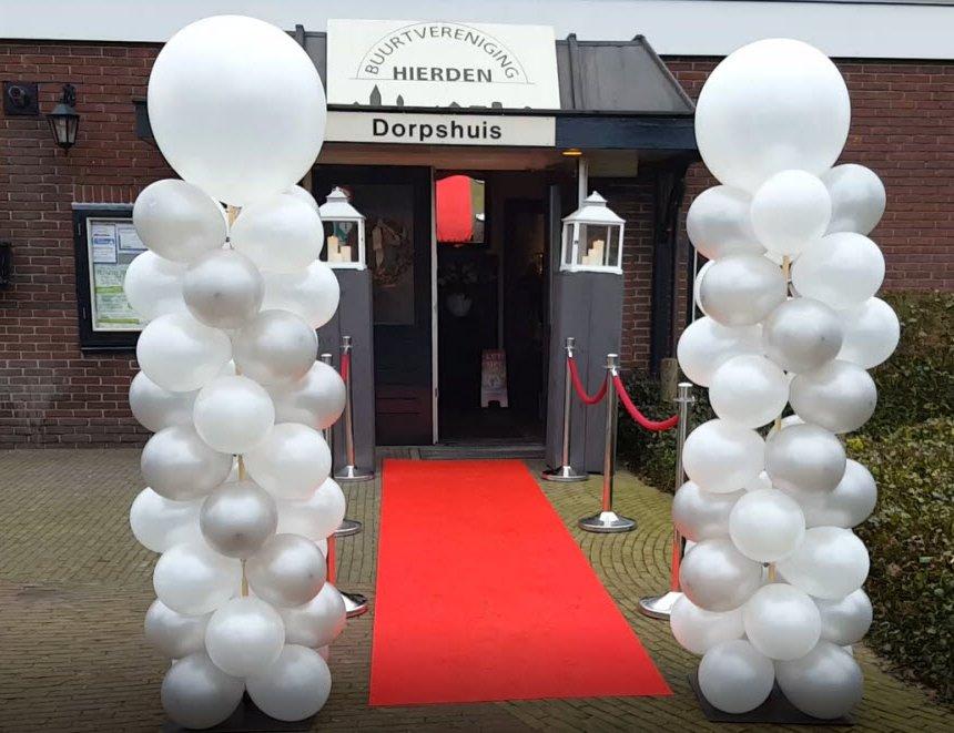 Bruidsshow tijdens 'Trouwidee' in het Dorpshuis Hierden (Video)