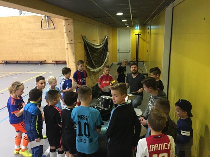 Zwart-Wit '63 zoekt drummers om het eerste team aan te moedigen