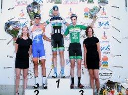Jelle Wolsink wint in de sprint met Wiebe Scholten de 33e editie Parel van de Veluwe