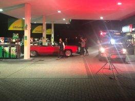 Kok Tankstation omgetoverd tot set voor de nieuwe clip van André Hazes