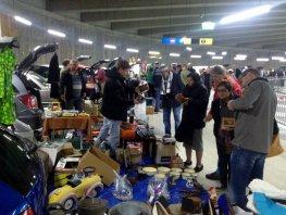 Kleedjesmarkt en kofferbakverkoop