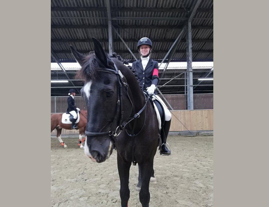 Harderwijkse Stephanie Doorn tweede op de Manege en Ruiterbond Kampioenschappen