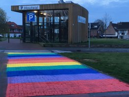 Kleurrijk voorstel rondom regenboogzebrapad opnieuw naar de raad