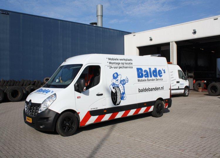 1_Balde's_Banden_Service_Ermelo_bus.JPG