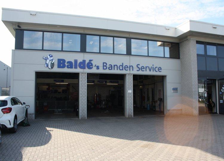 Balde's_Bandenservice_Ermelo_pand_2000.JPG