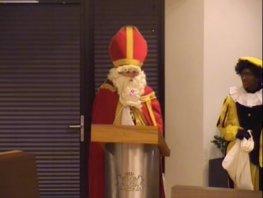 Sinterklaas breekt in bij raadsvergadering